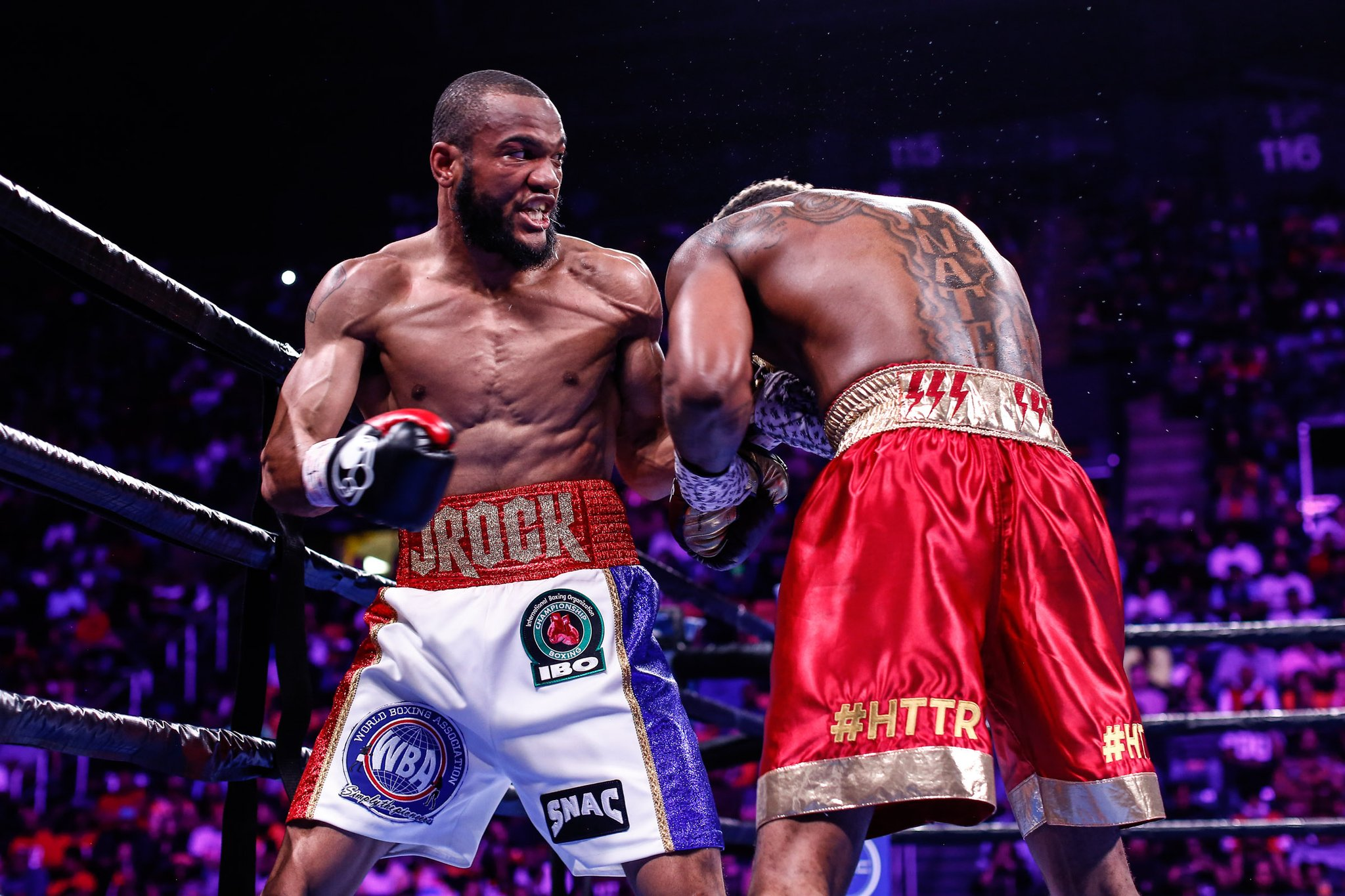 Julian Williams sorprende y le quita el invicto a Jarrett Hurd